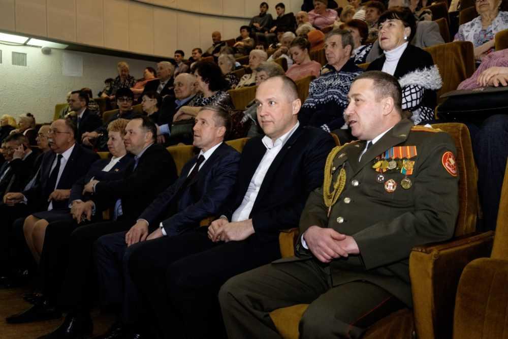 Глава города отдал  дань уважения всем поколениям российских воинов