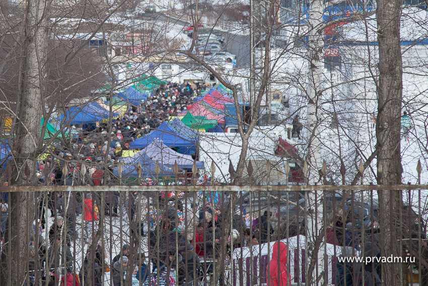 Несколько тысяч Первоуральцев погуляли на Масленице