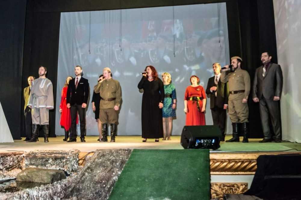 Театр драмы представил новый проект – «КиноВешалка»