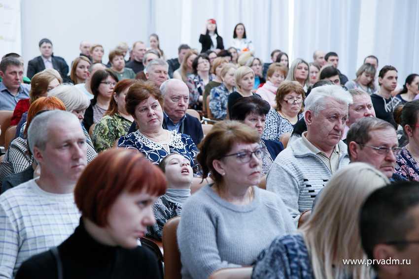 Валерий Хорев поздравил работников ЖКХ с профессиональным праздником