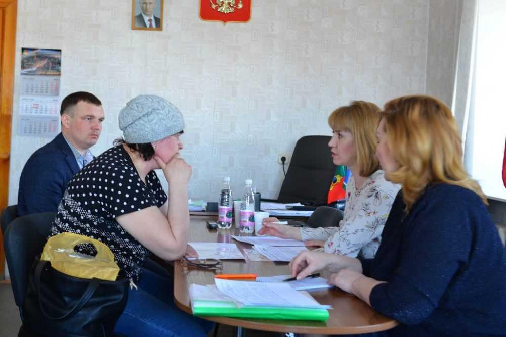 Городские власти провели собрание с участниками программы по переселению из аварийного жилья