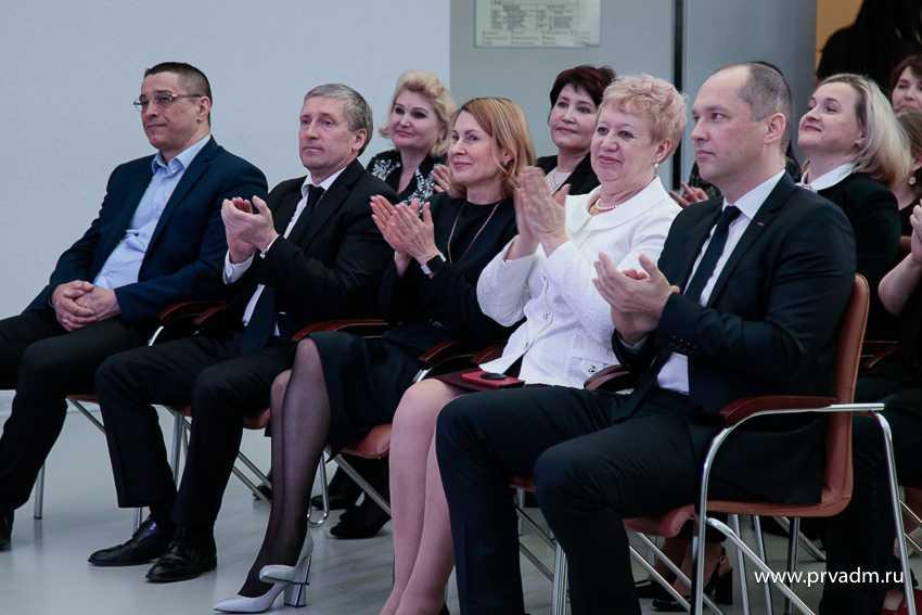 Валерий Хорев поздравил работников культуры