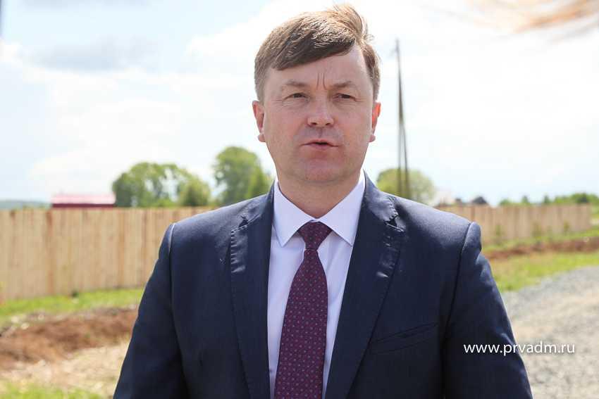 Министр транспорта проверил дорогу в Хомутовке