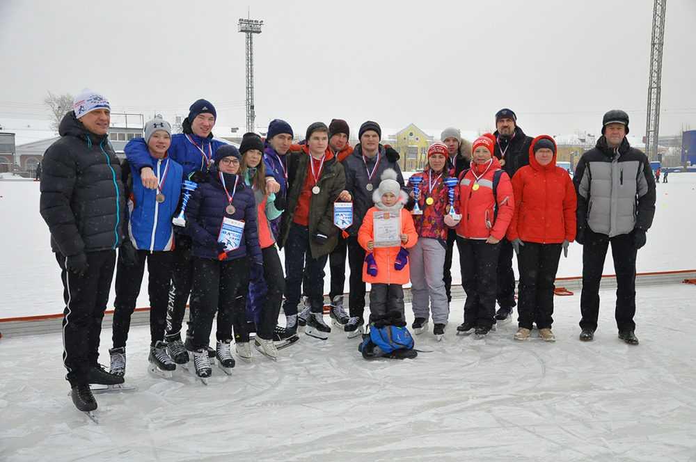 Массовый забег на коньках прошел в Первоуральске