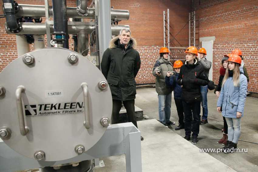 Молодежь Первоуральска посмотрела, как строится новая насосно-фильтровальная станция