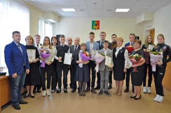16 одаренных детей и специалистов получили стипендию Главы Первоуральска