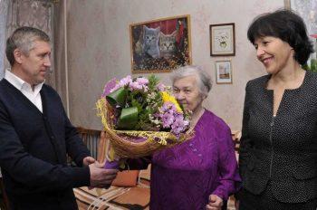 Глава города поздравил труженицу тыла с 90 – летием