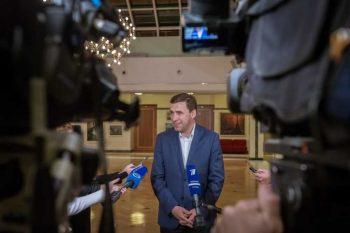 Евгений Куйвашев в режиме видеоконференции связался с лидером партии Дмитрием Медведевым