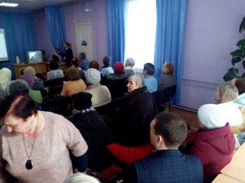 Жителям поселков Билимбай и Новоуткинск рассказали о переходе на цифровое ТВ