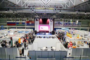 Валерий Хорев посетил XVII выставку достижений предпринимательства «ИнноНовоуральск-2017»