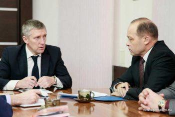 Министр промышленности Свердловской области Сергей Пересторонин посетил  Первоуральск с рабочим визитом