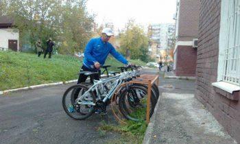 На работуна велосипеде