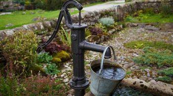 Экофонд разъясняет: Садоводы и огородники сейчас должны оформлять лицензию на право добычи подземных вод