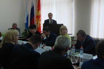 Валерий Хорев принял участие в выездном заседании