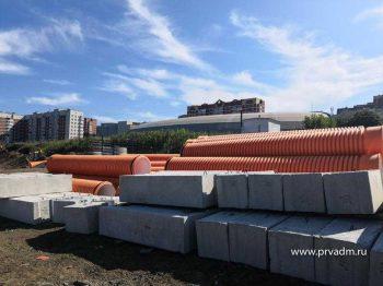 На Набережной Первоуральска проходит реконструкция канализационного коллектора