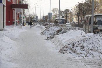 УЖКХ Первоуральска проверяет, как предприниматели следят за чистотой рядом с офисами и магазинами