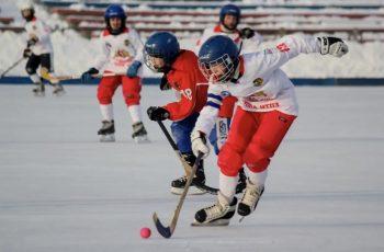 Первоуральск принимает Всероссийские соревнования по хоккею с мячом среди юношей 15-16 лет