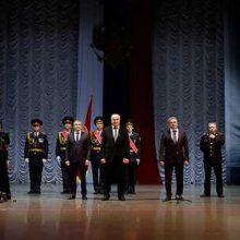 Валерий Хорев поздравили мужчин с Днем защитника Отечества
