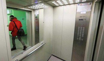 В следующем году в многоэтажках Первоуральска заменят 61 лифт. Адреса.