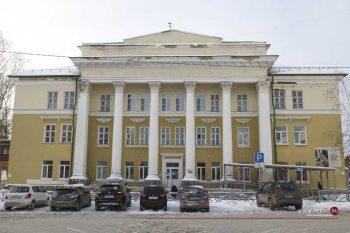 Первоуральская больница №1 будет оснащена для приема больных коронавирусом за счет средств акционера ЧТПЗ