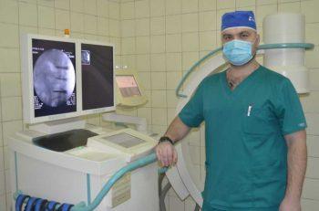 В Первоуральской городской больнице провели первую операцию на позвоночнике
