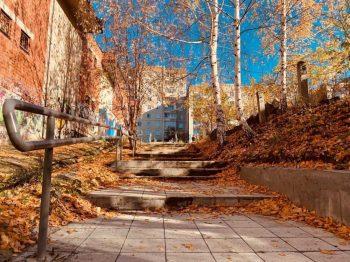 До конца октября в Первоуральске отремонтируют 14 лестниц