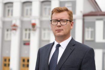 Глава Первоуральска Игорь Кабец поздравляет жителей округа с Днём Победы!