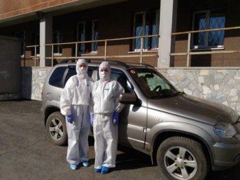 «Нас ждут с хорошим настроем»: медики рассказали о своих выездах на взятие тестовна коронавирус