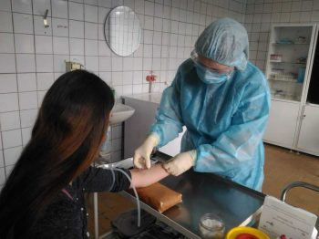 В Первоуральских поликлиниках прошел забор анализов на антитела к коронавирусной инфекции