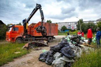 Из трех лесопарковых зон Первоуральска вывезли 5 тонн мусора