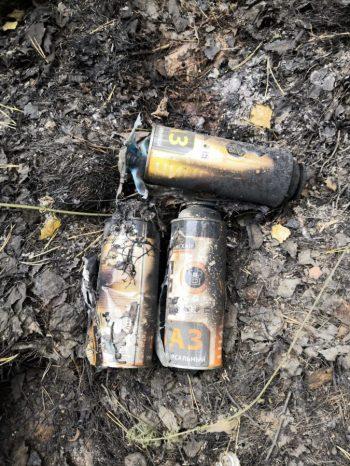 Сегодня в одном из очагов возгорания в районе баз отдыха «Зелёный мыс» и «Остров» под Первоуральском снова найдены газовые баллончики.