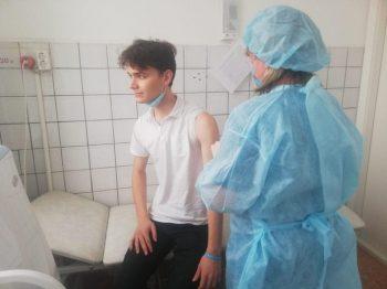 Более трёхсот первоуральцев прошли вакцинацию от коронавируса
