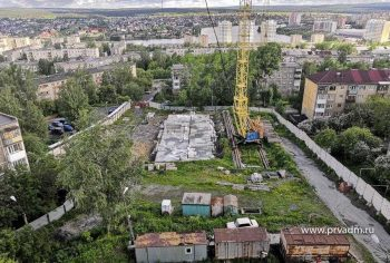 Глава Первоуральска дал поручение навести порядок на стройке по улице Советская