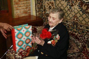 В преддверии Дня Победы первоуральские ветераны принимают поздравления