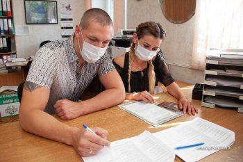 Молодым семьям из Первоуральска начали вручать сертификаты на улучшение жилищных условий
