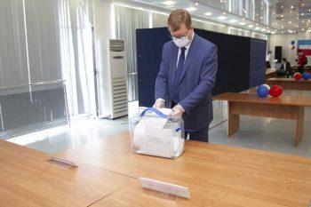Глава Первоуральска Игорь Кабец принял участие в голосовании по поправкам в Конституцию РФ
