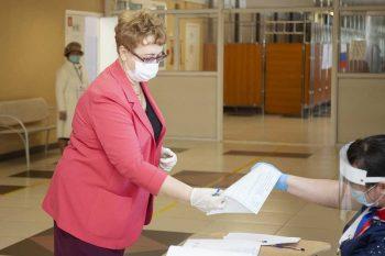 Свердловская область активно голосует по поправкам в Конституцию Российской Федерации