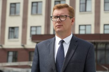Глава Первоуральска Игорь Кабец поздравляет жителей округа с Днём России